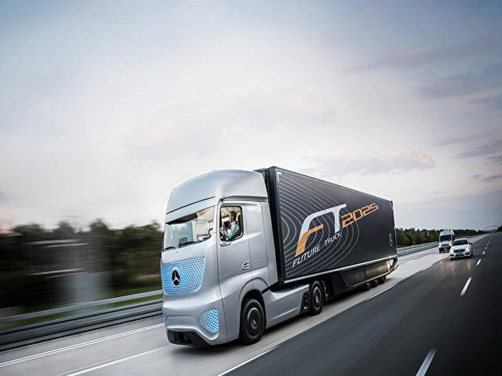 В Британии намерены использовать беспилотные грузовики в скором времени