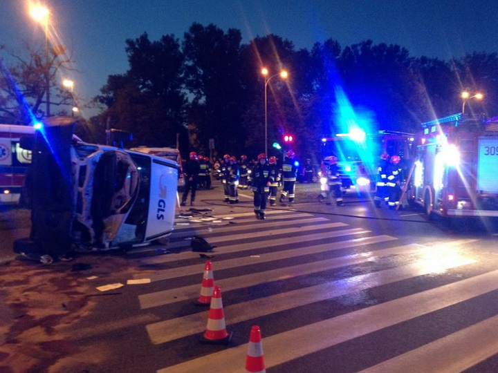 Кортеж генсека НАТО в Варшаве столкнулся с фургоном