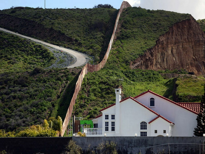 МИД Мексики: Мексика не будет платить за стену на границе с США