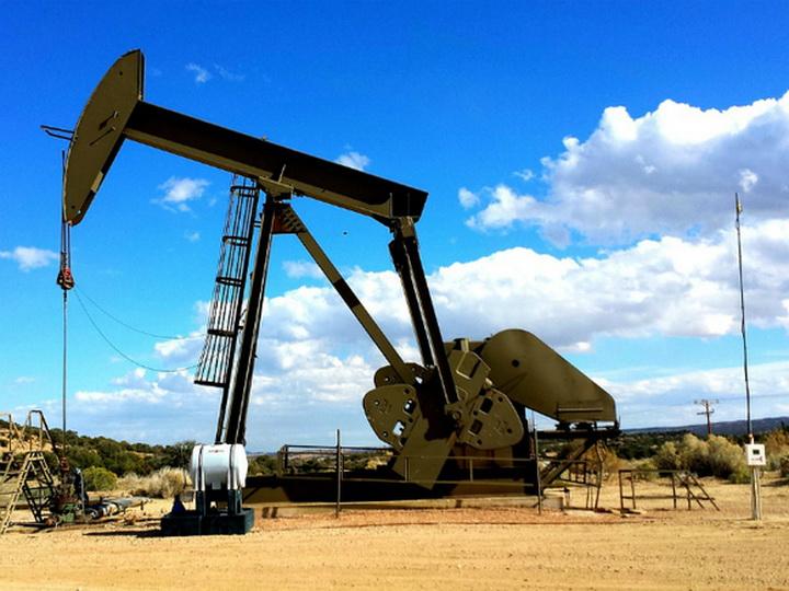 Запасы нефти в США сократились за неделю сильнее прогноза