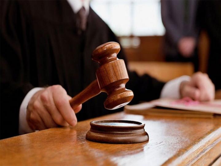 Слепого британца год судили за просмотр детского порно