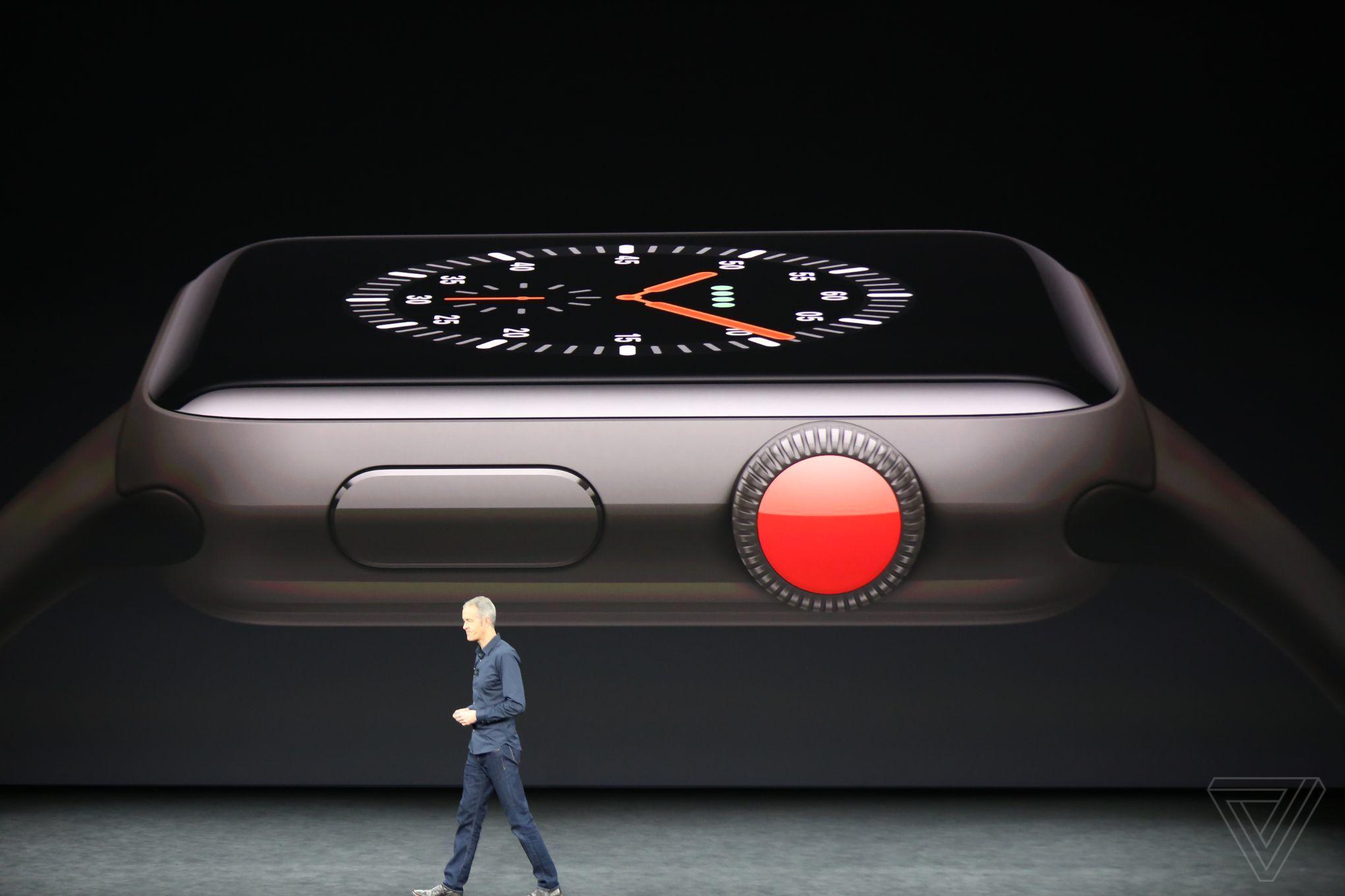 Apple показала «умные» часы с сотовым модулем