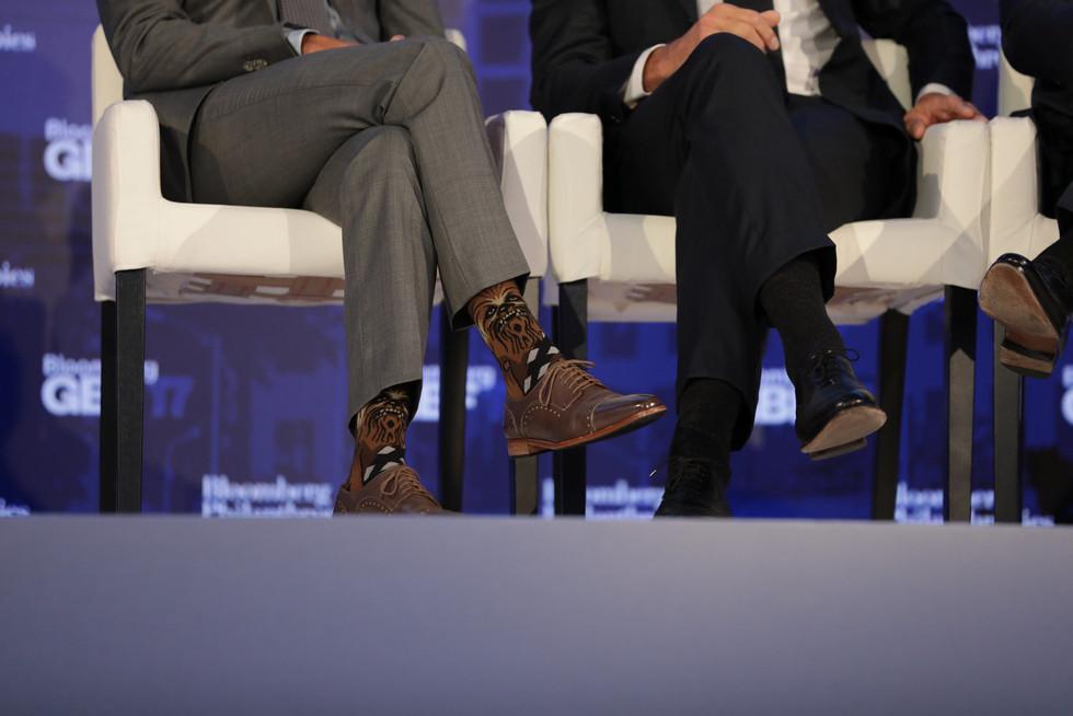 Премьер-министр Канады выступил на экономическом форуме в носках с Чубаккой — ФОТО