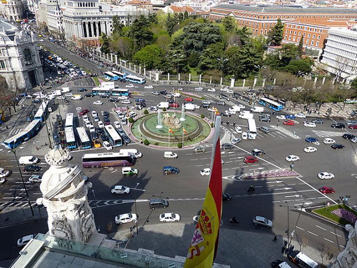 Мадрид окутал токсичный дым, опасный для людей