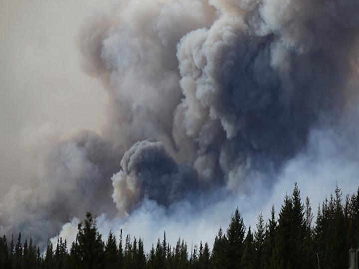 В Канаде из-за пожаров эвакуировали более двух тысяч человек