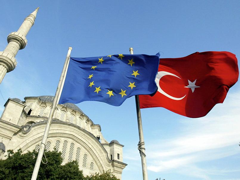 Глава МИД Турции заявил, что страна по-прежнему хочет вступить в Евросоюз