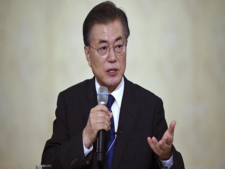 Президент Южной Кореи высказался о возможности нефтяного эмбарго для КНДР