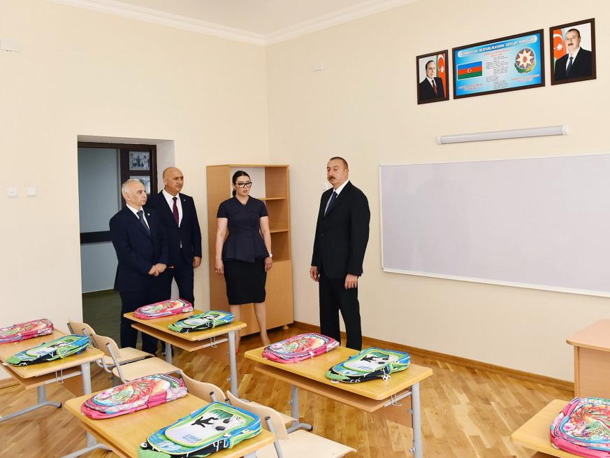 Президент Ильхам Алиев ознакомился с условиями в школе-лицее №62 после капитального ремонта - ФОТО