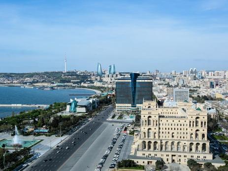 В воскресенье в Баку и на Абшероне сохранится теплая погода, преимущественно без осадков