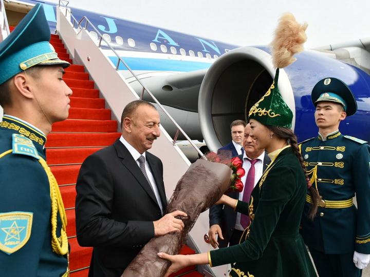 Президент Азербайджана Ильхам Алиев отбыл с рабочим визитом в Казахстан