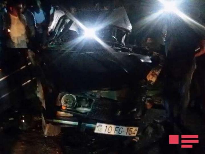 В Ленкорани столкнулись два легковых автомобиля, есть погибший и раненые