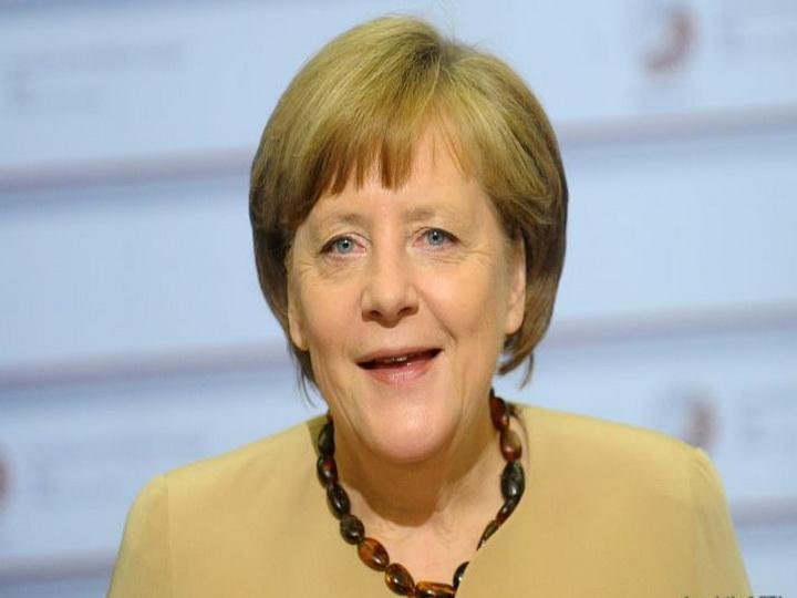 Меркель спела на предвыборном митинге — ВИДЕО