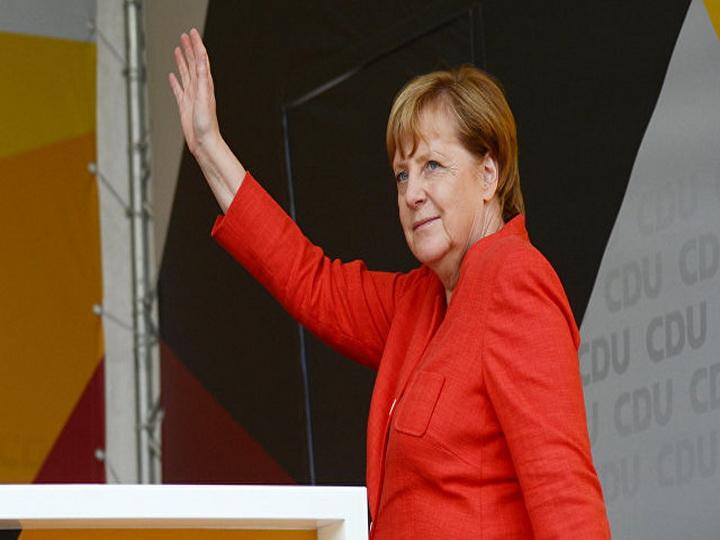 Меркель выступила против ослабления санкций в отношении России