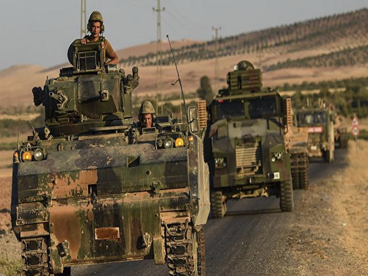 Турция передислоцировала к сирийской границе 80 единиц бронетехники