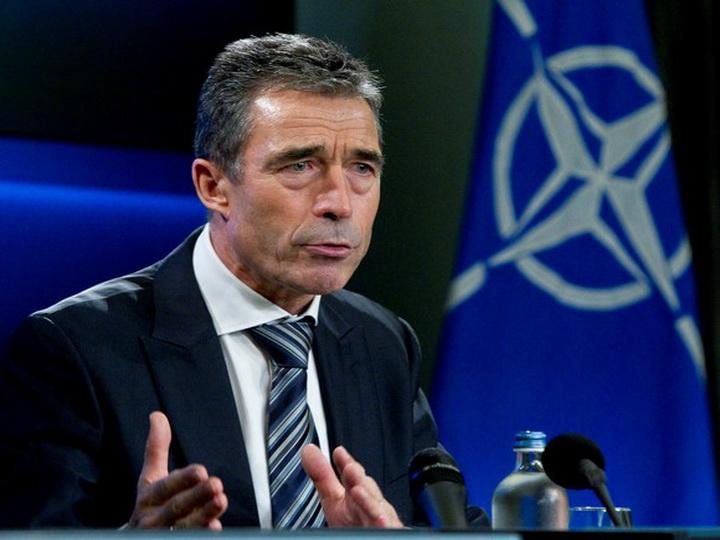 Экс-генсек НАТО: Евросоюз должен занять твердую позицию по поддержке Украины