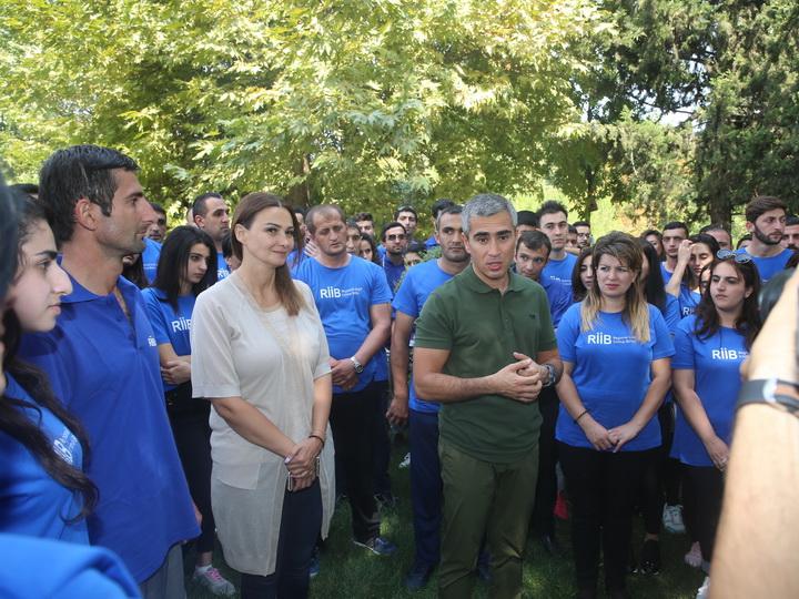 В Гяндже организована встреча с волонтерами Общественного объединения «Региональное развитие» Фонда Гейдара Алиева — ФОТО