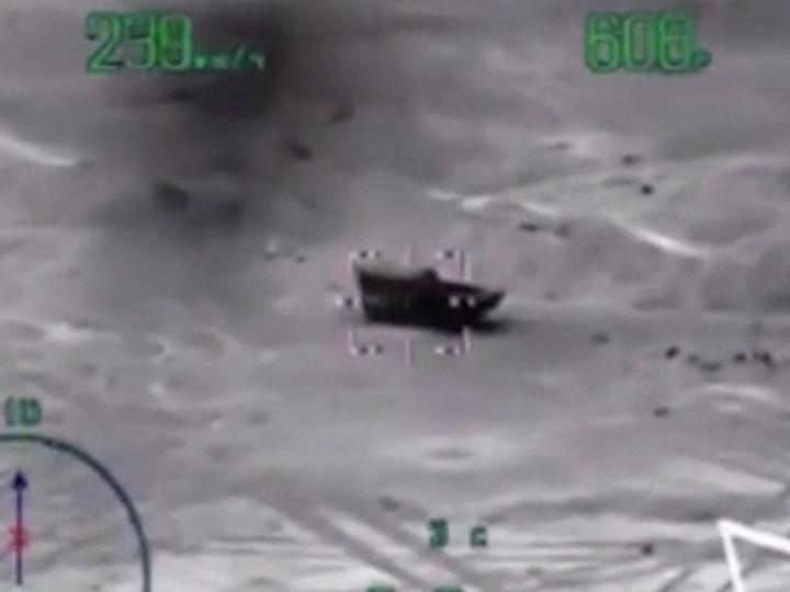 Опубликовано видео ударов по окружившим российских военных боевикам — ВИДЕО