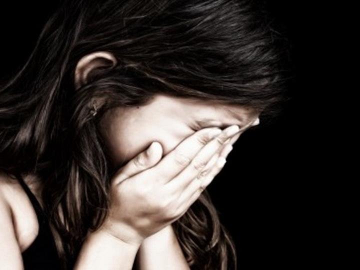 Скончался ребенок 12-летней девочки, изнасилованной отчимом