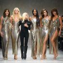 Супермодели 90-х воссоединились на показе Versace — ФОТО – ВИДЕО