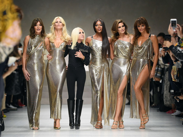 Супермодели 90-х воссоединились на показе Versace - ФОТО – ВИДЕО
