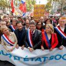 В Париже не прекращаются беспорядки из-за реформ