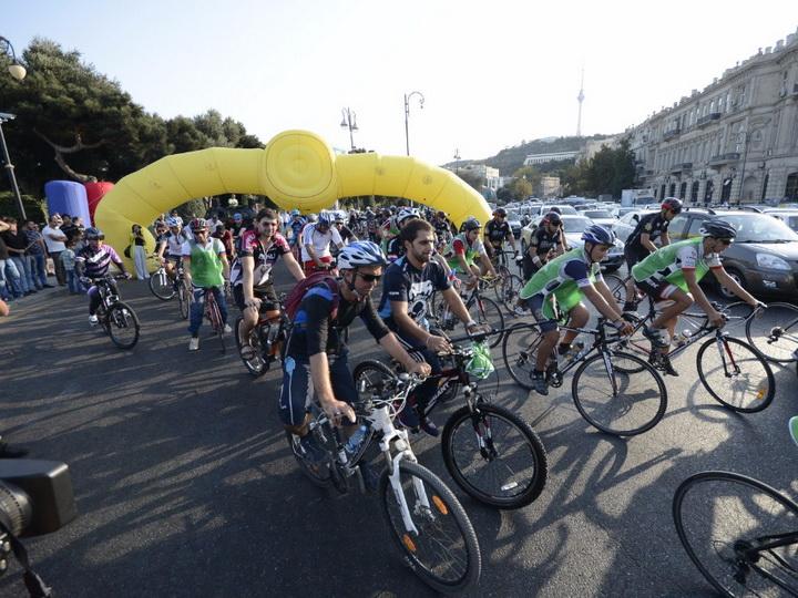 В Баку прошел велозаезд, посвященный «Всемирному Дню без автомобилей» — ФОТО