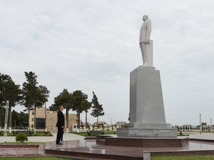 Президент Азербайджана прибыл в Нефтчалинский район