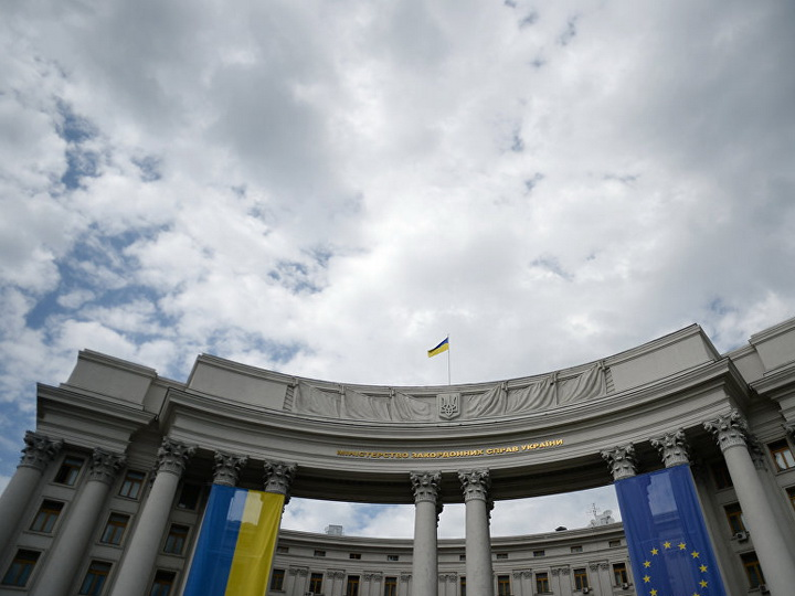 Украина обвинила Польшу в срыве соглашений из-за отказа во въезде чиновнику