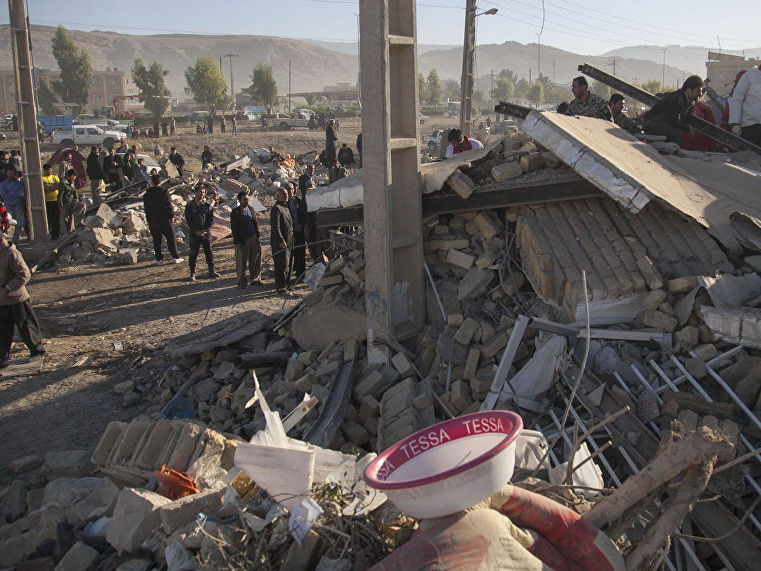 В Иране число погибших при землетрясении превысило 480 человек