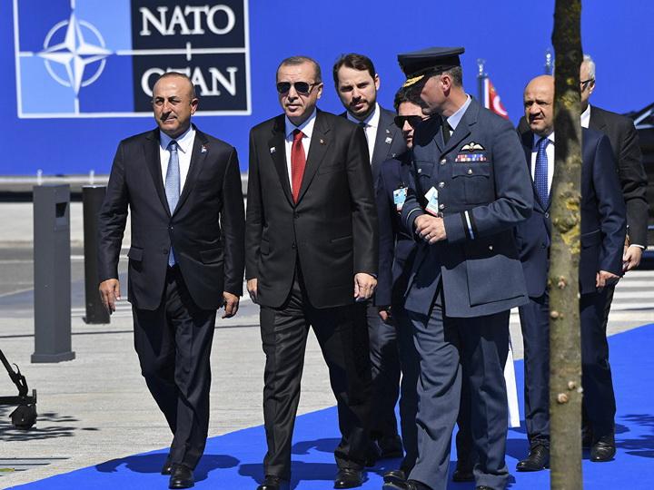 В Турции лидер партии призвал к выходу страны из НАТО
