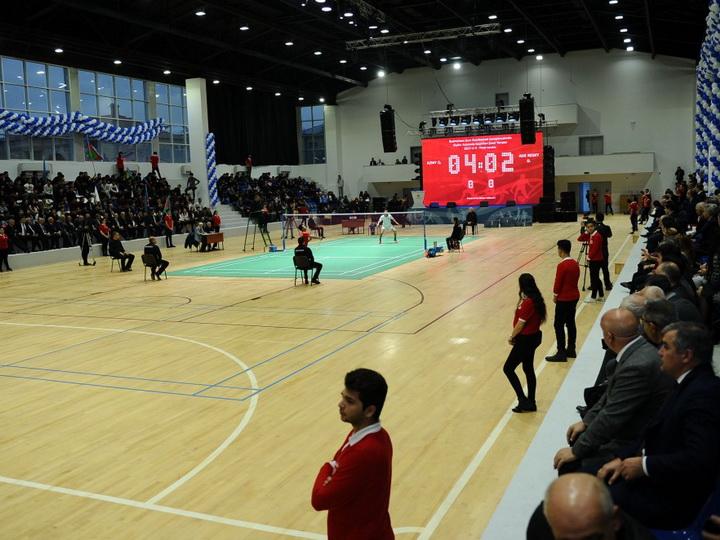 В Баку введен в эксплуатацию очередной спорткомплекс — ФОТО