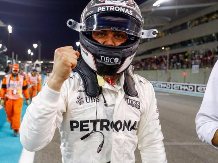 Гран-при Формулы-1 в Абу-Даби: Боттас завоевал поул, Хэмилтон установил рекорд, Феттель пытается отстоять второе место – ФОТО