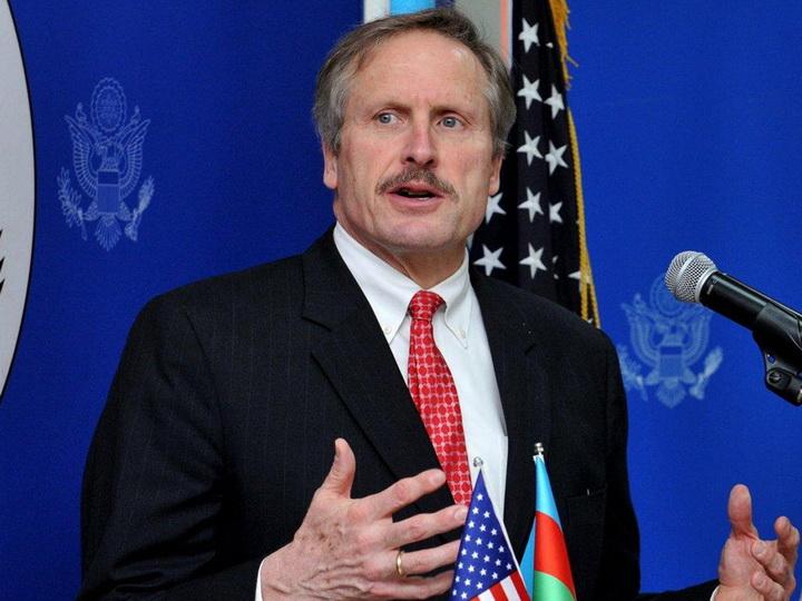 Посол США заверил в продолжении активности США в роли посредника по Карабаху