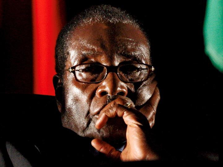 Президент Зимбабве согласился уйти в отставку