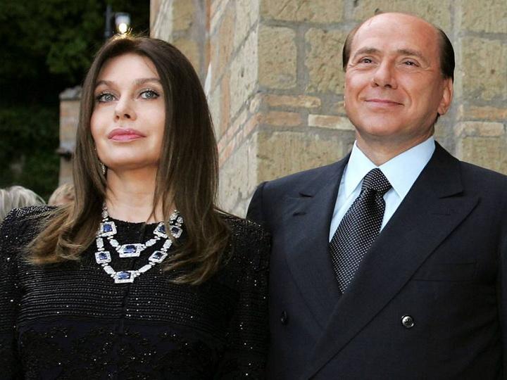Суд обязалэкс-супругуБерлускони вернуть ему 60млн евро алиментов