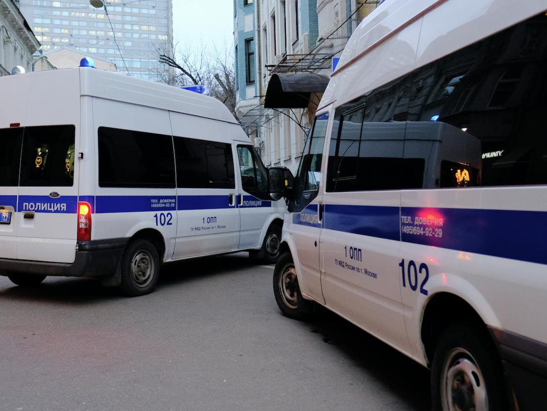 Полицейского в России лишили премии за то, что улыбался на совещании — ФОТО