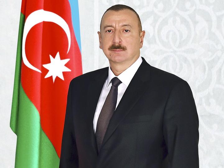 Президент Азербайджана поздравил президента Судана