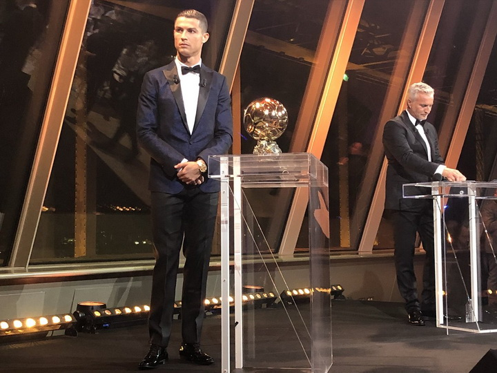 Роналду впятый раз получил «Золотой мяч» идогнал Месси — ФОТО — ВИДЕО