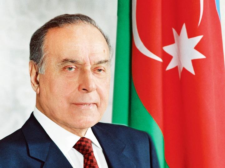 Народ Азербайджана чтит память Общенационального лидера Гейдара Алиева