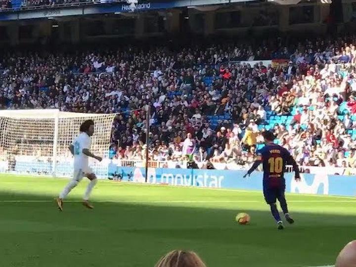 Месси сделал голевой пас вматче с «Реалом» без бутсы – ВИДЕО