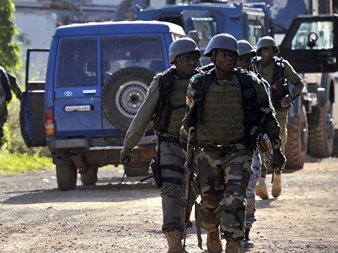 Террористы напали на военную базу в Мали