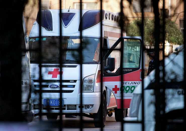 В Китае врач умерла, отработав 18 часов без перерыва