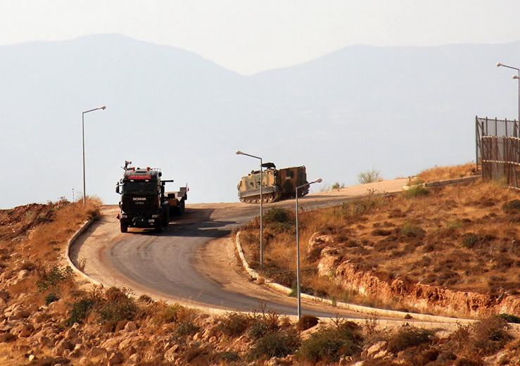 Турция перебросила военную технику на границу с Сирией