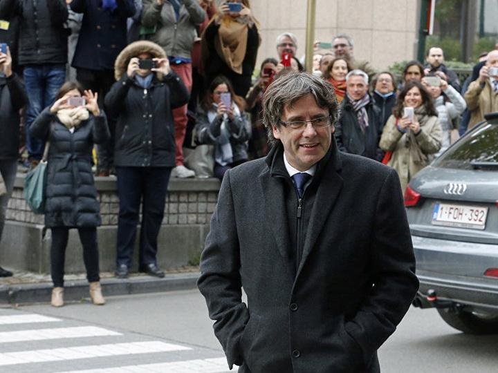 КС Испании назвал условия, при которых Пучдемон сможет возглавить Каталонию