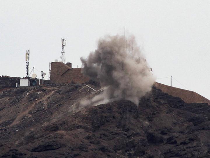 Арабская коалиция в Йемене потребовала прекратить столкновения в Адене