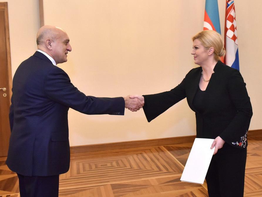 Aзербайджанский посол вручил верительные грамоты Президенту Хорватии
