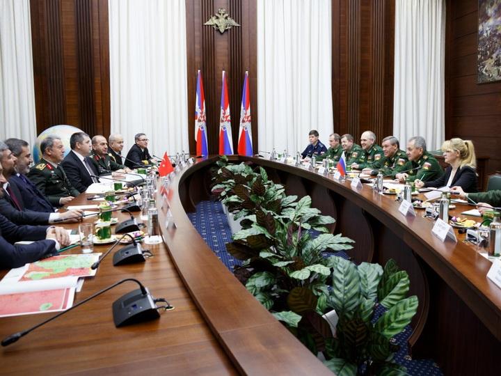 Состоялась встреча министра обороны РФ с начальником Генштаба ВС Турции – ФОТО
