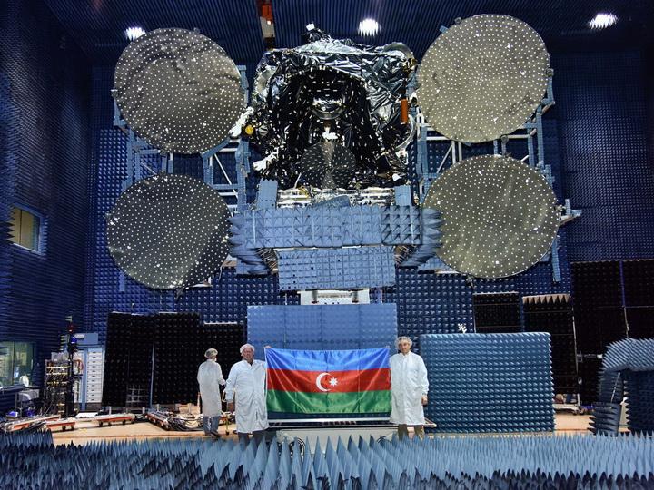 Опубликованы фотографии процесса подготовки к запуску спутника Azerspace-2 – ФОТО
