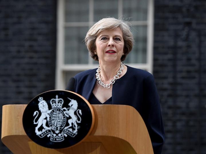 Премьер Британии извинилась за сбои в работе системы здравоохранения