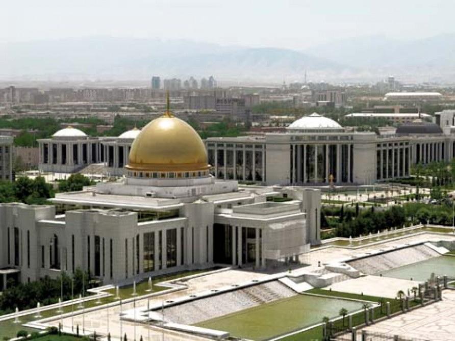 Глава МИД Азербайджана и президент Туркменистана провели встречу в Ашхабаде